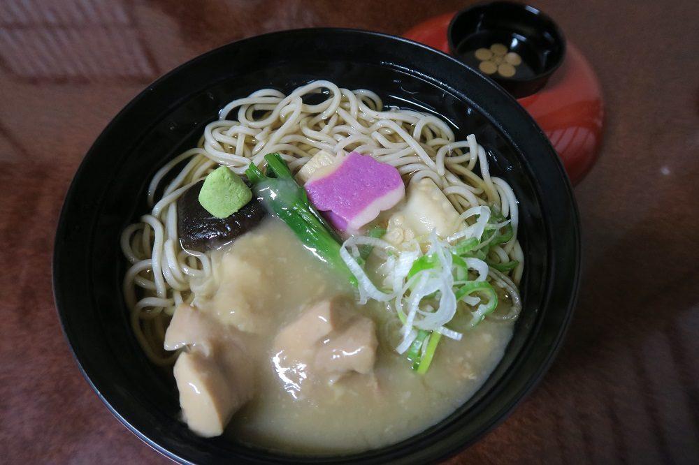 「兼六亭」兼六園で一番オススメのお食事処。名物じぶそばを日本最古の噴水前で!加賀料理の治部煮をアレンジ
