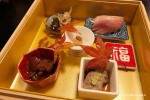 「旬菜焼はざま」鉄板焼きを織り込んだ和魂洋才のディナーコース。ランチのステーキ丼もおすすめです
