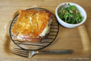 「OH LIFE(オーライフ)」おいしい本屋さんの料理がレベル高すぎ!スキレットで焼き付けたピザトースト、自家製パンとスープが絶品!