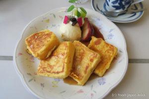 「カフェ・ド・ティー・エリー (Cafe de T.Eri)」フレンチトーストと焼りんごが絶品!バナナマウンテンも名物。提供遅めなので時間があるとき限定