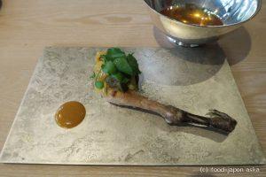 「L'évo(レヴォ)」最高の富山食材に魔法をかけた前衛的地方料理!レボリューションが止まらない!器やカトラリーまで地元作家製