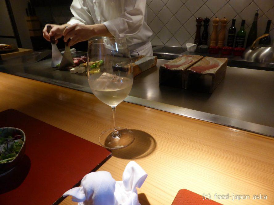 「ワインと鉄板 金澤東山 かいどう」鉄板焼き金沢ナンバーワンだと思う!冒険心くすぐる鉄板マジック。オトナで上質な時間が過ごせます。