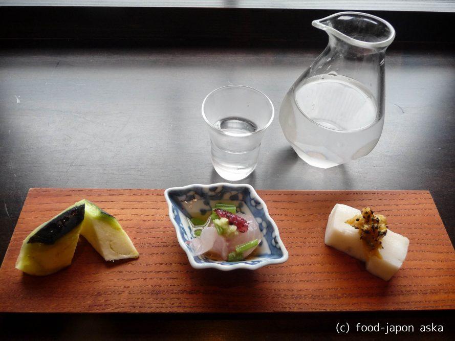 「更科 藤井」今や金沢にはなくてはならない名店。粋な江戸そばの楽しみ方をしたい。日本酒をアテと楽しみ、すだちおろしや季節の変わりそばを