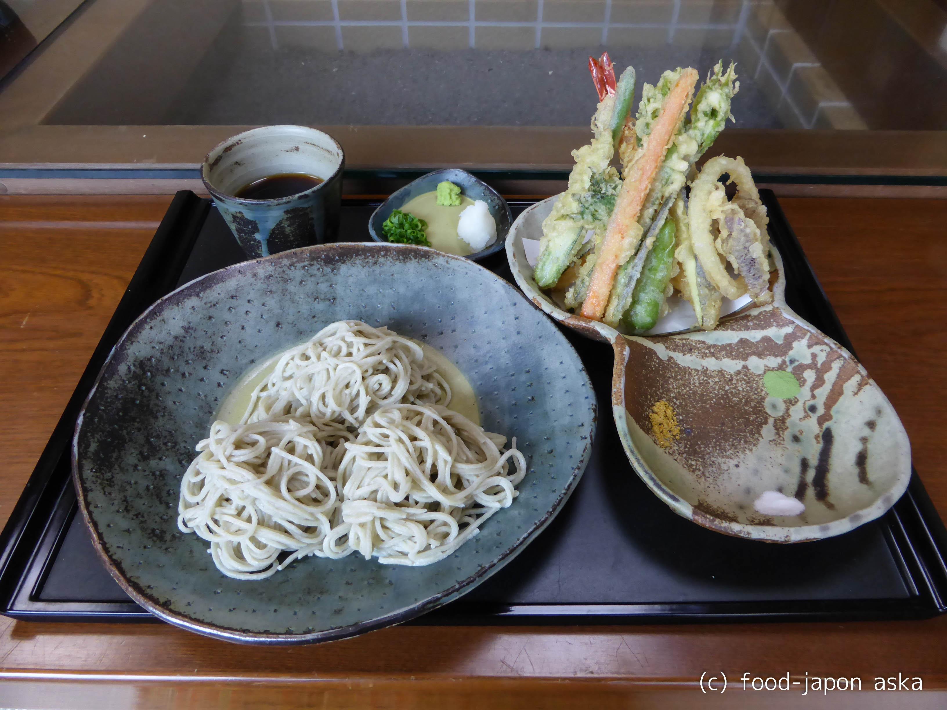 「蕎麦 宮川」石臼挽きの自家製粉を10割の生粉打ちで。金沢市の山手、別所に車を走らせて。春のタケノコも楽しみ