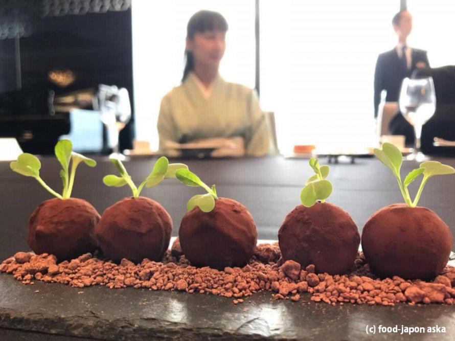 (Seasonal News)初競りで5個5万円「加賀丸いも」ホテル日航金沢がプレミアムをGET!レストランでの提供を開始