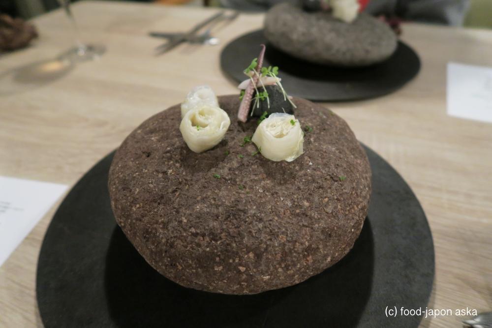 「villa della PACE(ヴィラ・デラ・パーチェ)」七尾に注目のモダンイタリアン!シェフは東京から移住。能登食材がこんな料理に!どんどん進化し突き抜ける。烏賊ラルド昆布のスペシャリテも必食