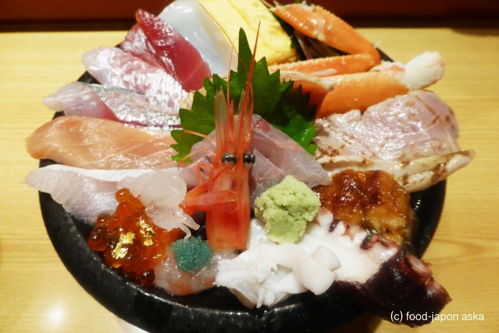 「いきいき亭 近江町店」海鮮丼で唯一オススメと言いたいのはここ。手頃で華やかミニ金沢丼と豪華なのに手頃ないきいき亭丼!